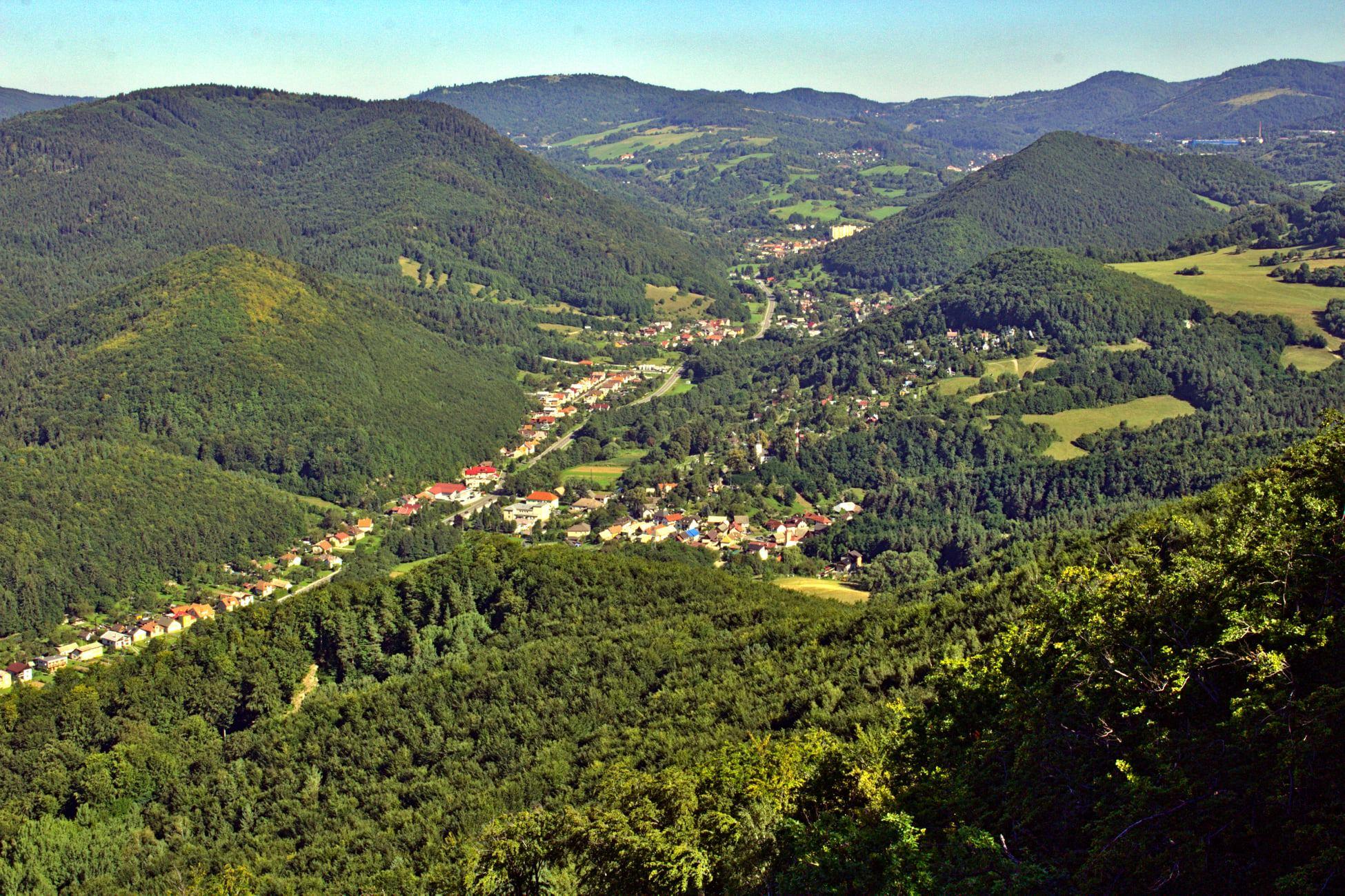 Kremnické vrchy: Jastrabská skala (684 m n. m.)