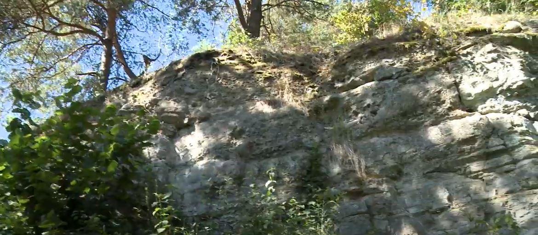 K Zolnianskemu laharu sa dostanete cestou, ktorá existovala už za vlády kniežaťa Svätopluka